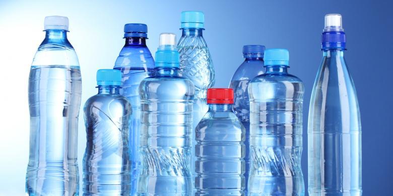 Jangan Minum Air dari Botol yang Terpapar Sinar Matahari