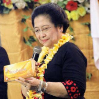 Melia Propolis dan ibu Megawati Soekarno Putri