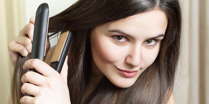5 Kesalahan dalam Penggunaan catok yang dapat merusak rambut 1