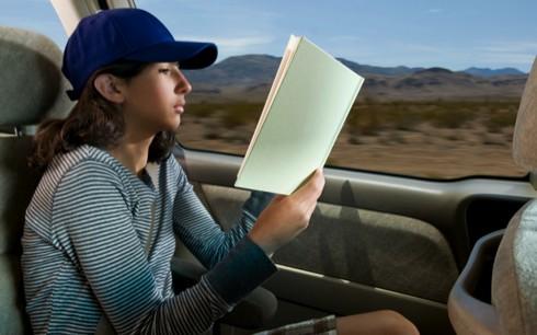 Membaca bisa menyebabkan mabuk perjalanan